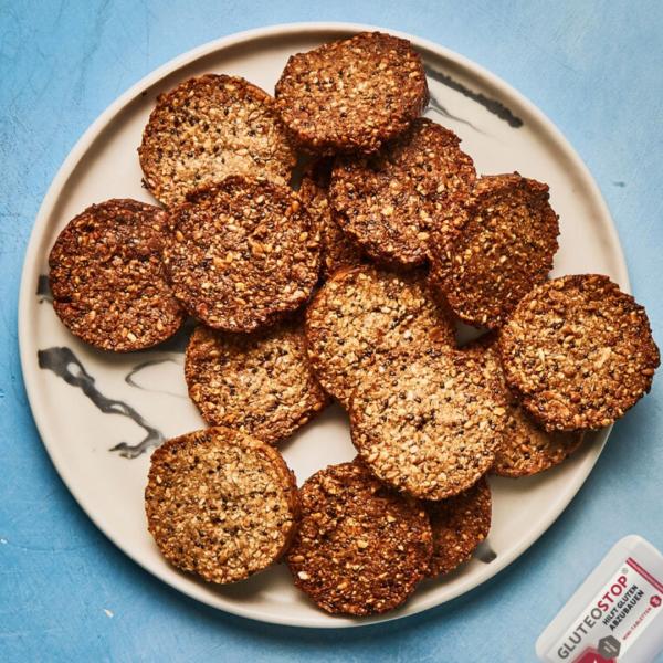 Glutenfreie-Cracker-mit-GluteoStop-Spender
